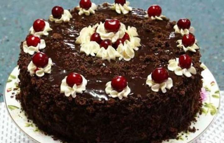 kremovo-vishnevoe-ukrashenie-torta