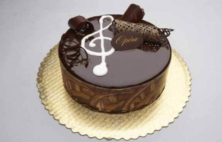 ukrashenie-torta-glazuru