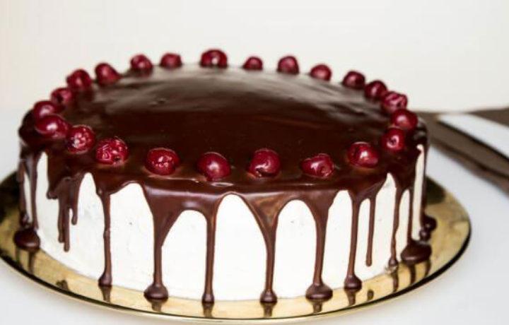 ukrashenie-torta-vishney