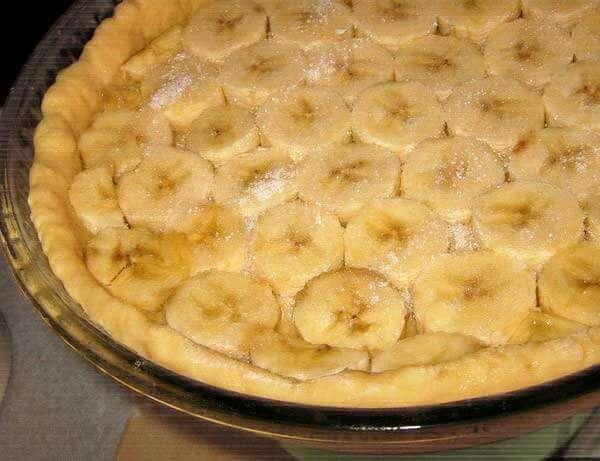Творожно банановый пирог