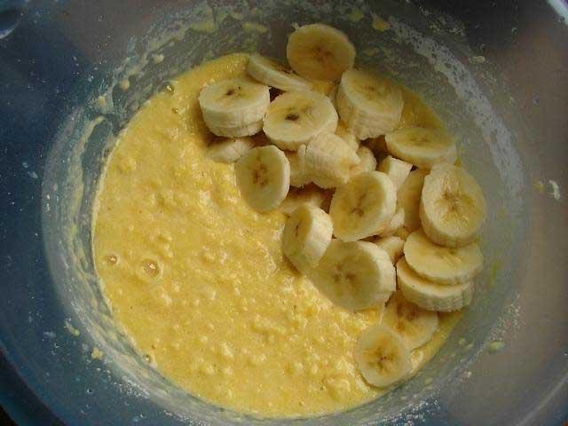 Шарлотка на банане