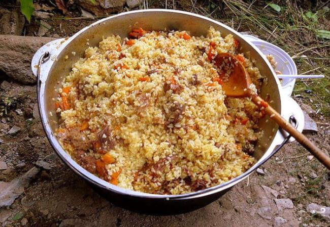 Рисовая каша из тушенки